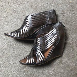 Metallic braided wedge heels
